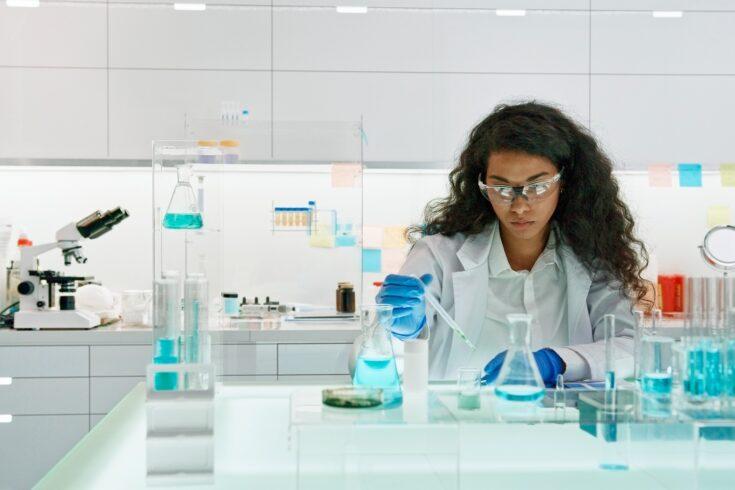African female scientist working in laboratory
